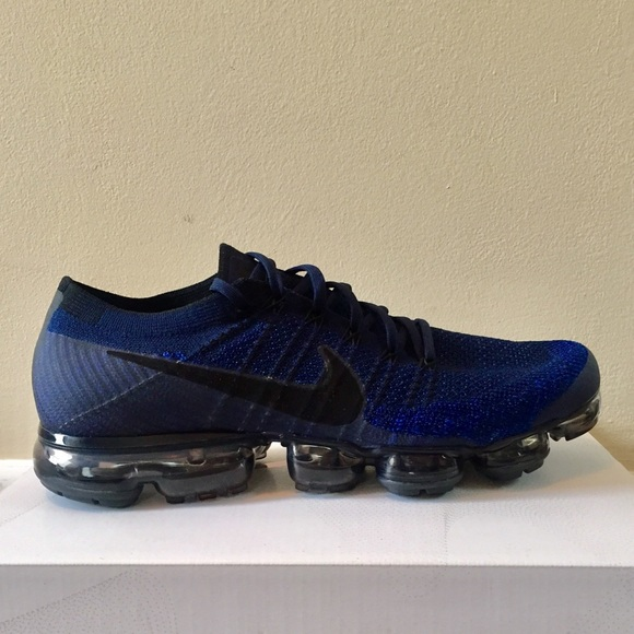 2560657e80d1c NWT Nike Air Vapormax Flyknit Sneakers